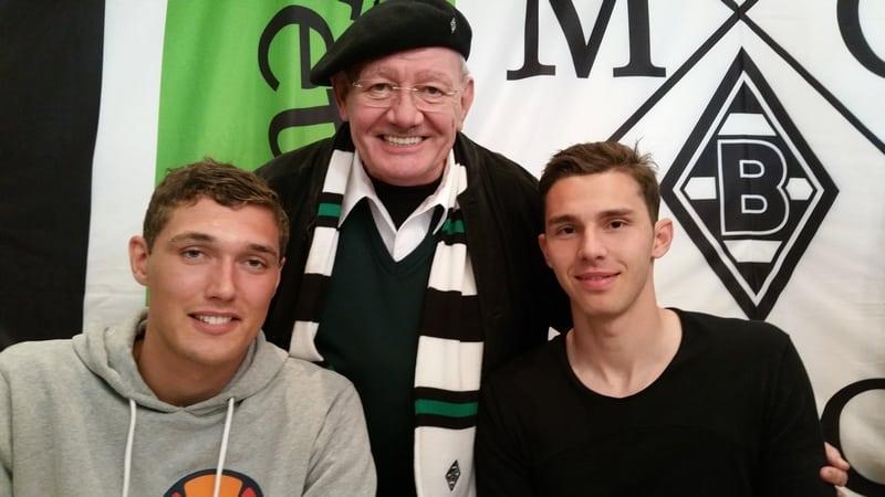Gerald Dankmeyer mit Andreas Christensen und Branimir Hrygota
